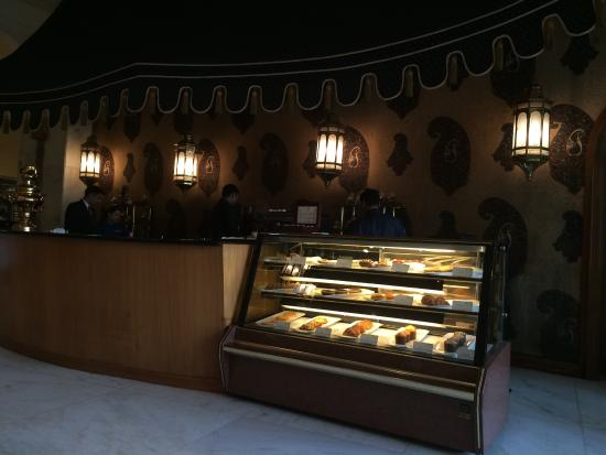 Kafe Fontana : A beautiful lounge where you can sip tea quietly and the ambiance and view were of Ist order!