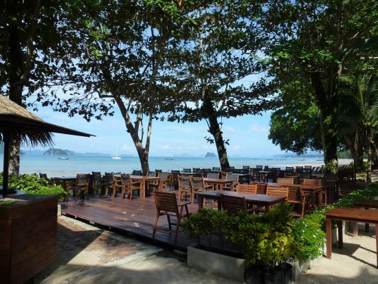 Red Leaf Bar At Tup Kaek Sunset Beach Resort