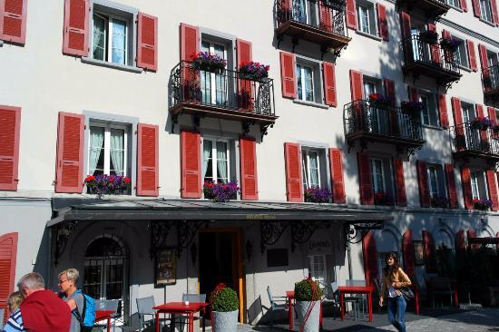Hotel Monte Rosa: Вид на окна отеля