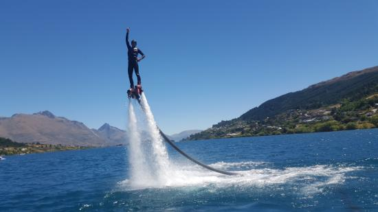 كوينز تاون, نيوزيلندا: I was able to try out the flyboard as well!