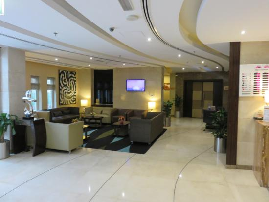 Lobby picture of landmark grand hotel dubai tripadvisor for Tripadvisor dubai hotels