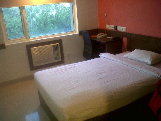 Ginger Pune (Pimpri) : bed & sitting area