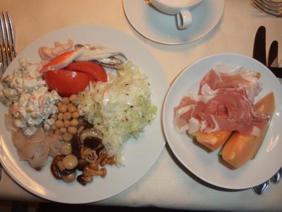 Hotel Genziana: 夕食の前菜