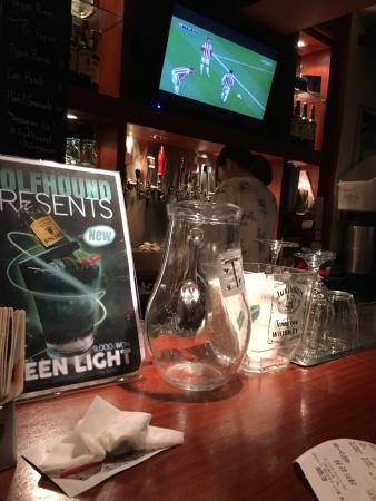 The Wolfhound Irish Pub & Restaurant: photo0.jpg