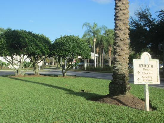 Monumental Hotel Orlando : view from street