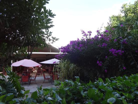 Hotel Liberia: patio esterno