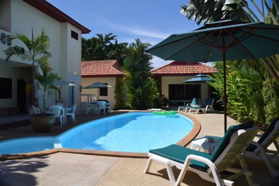 Sansuko Ville Bungalow Resort: Pool area