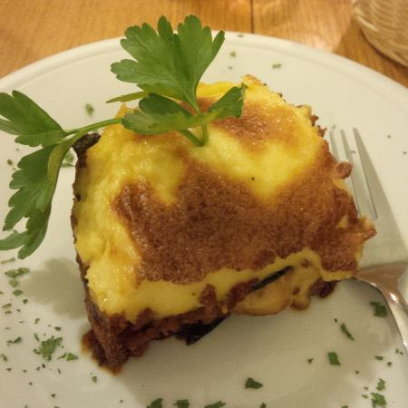Moussaka picture of restaurant akropolis gunzenhausen for Akropolis greek cuisine merrillville in