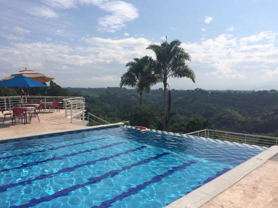 Foto de hotel mirador las palmas la tebaida piscina for Piscina las palmas
