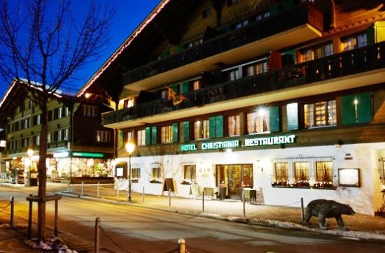 Christiania Hotel: main entrance by night