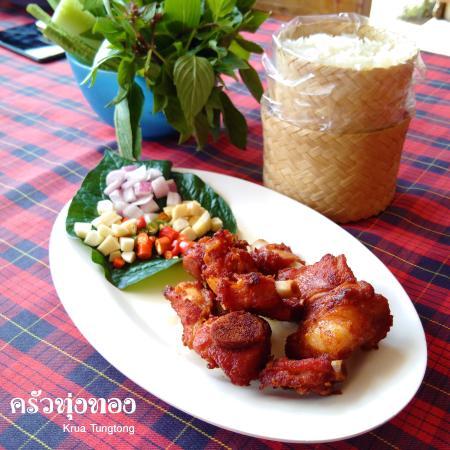 Krua Tungtong: Deep Fried Fermented Ribs
