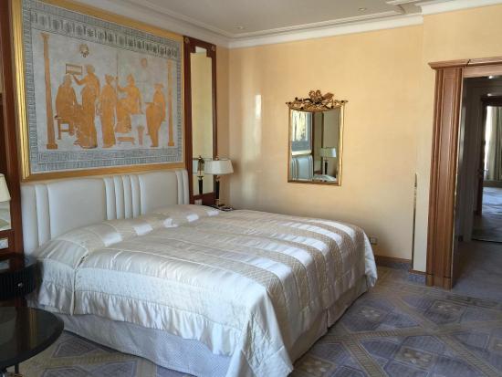 Savoy Baur En Ville: King size bed