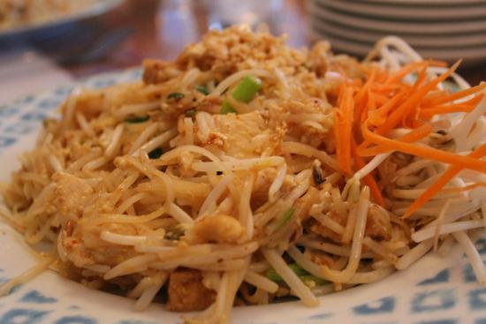 Thai Taste Restaurant: chicken pad thai