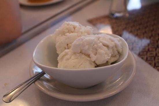 Thai Taste Restaurant: lychee ice cream