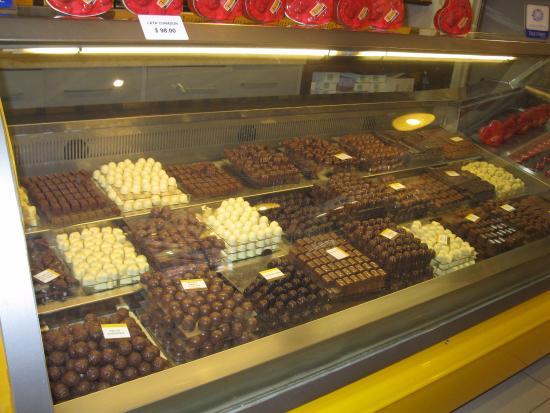 Chocolates varios fotograf a de chocolate del turista san carlos de bariloche tripadvisor - Almacenes san carlos ...