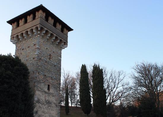 Induno Olona, Itália: Il torrione di destra