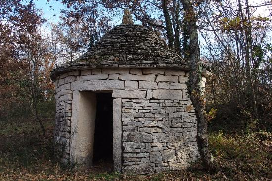 Zminj, Croacia: Casita antica vicina