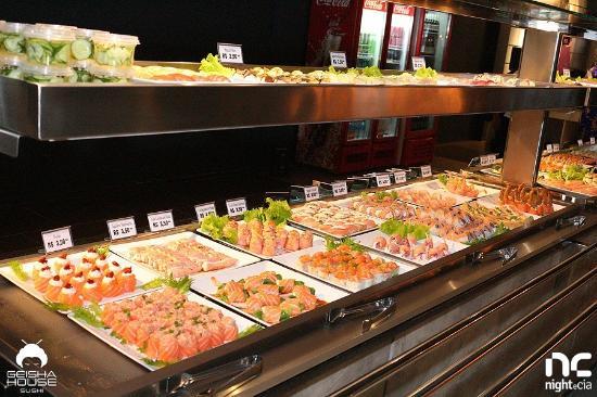 Buffet de sushi.: fotografía de Geisha House Sushi Itapema ...