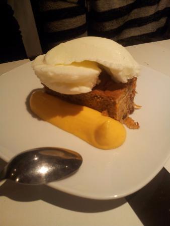 Pijama Restaurant: carrot cake