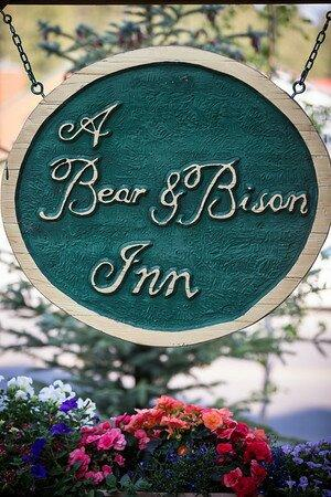 A Bear and Bison Canadian Country Inn 사진