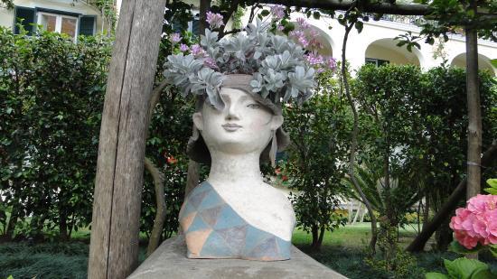 Hotel Palazzo Murat: Estátuas