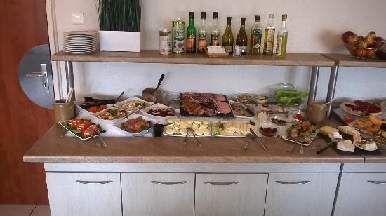 Best Hotel Metz: Buffet d'entrées du Restaurant à midi pour le lunch