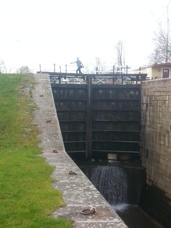 Motala, Szwecja: The flight of locks are emptied on water during winter for maintenance.