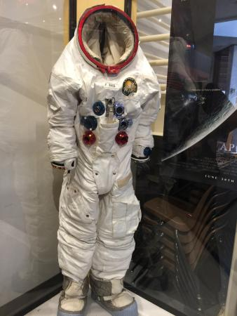 Ellison S. Onizuka Space Center: photo0.jpg