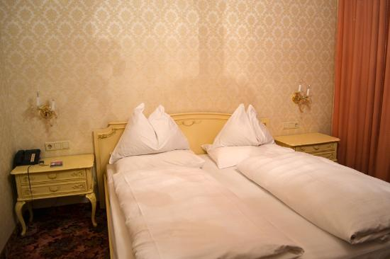 Hotel-Pension Baronesse: Double room