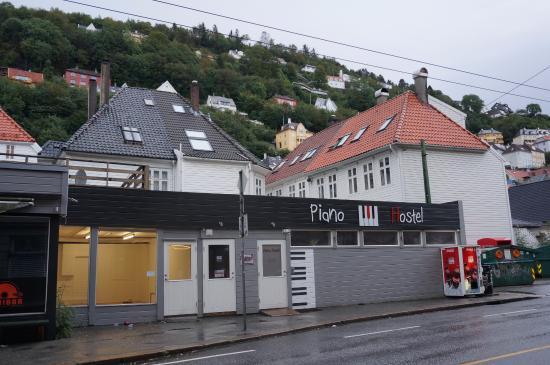 Piano Hostel