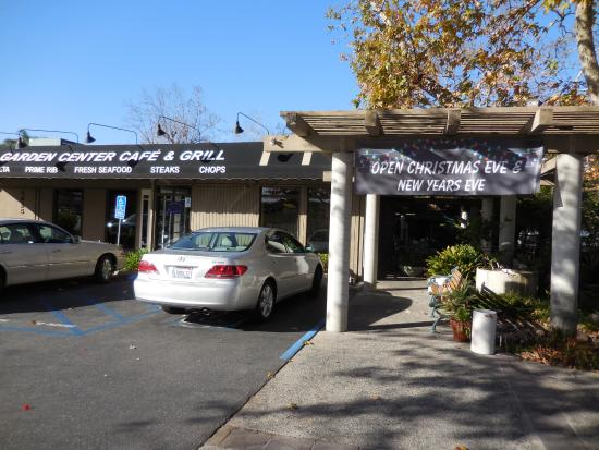 Fallbrook, CA: Front of restaurant