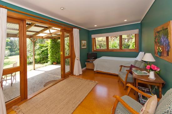 Mercury Orchard Accommodation: Fig Tree Cottage