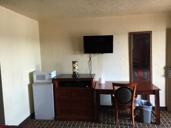 Encore Motel: room