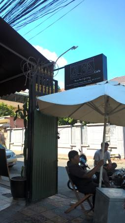 Alma Cafe : View from Outside