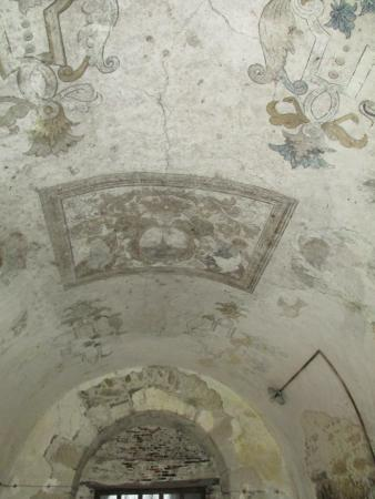 Ancien Couvent des Carmes : Ceiling in one part of the house