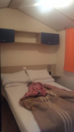 Camping Boschetto Di Piemma: dormitorio casal