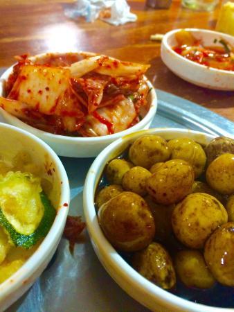 Hodori Korean & Japanese Restaurant