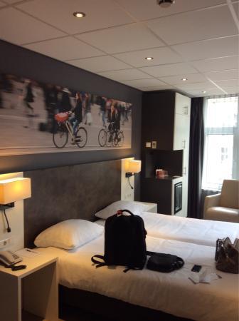 Hotel Amsterdam - De Roode Leeuw: photo0.jpg