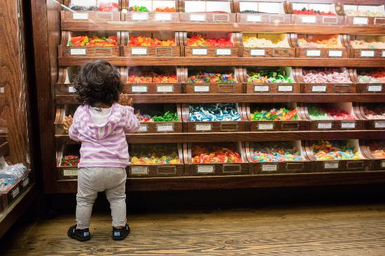 newest 3130a 09853 kid in a candy store - Picture of La King's Confectionery ...