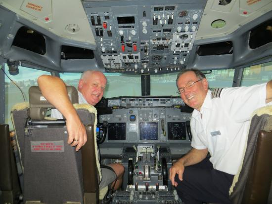 Pilot and co pilot Ufly Sims