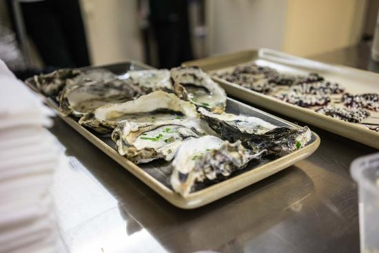 MIA Dining: Fresh Bluff Oysters