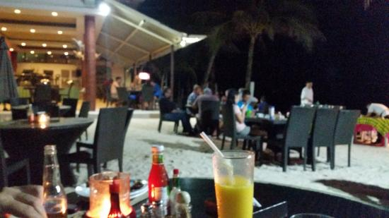 Willy's Beach Hotel: Weekend BBQ