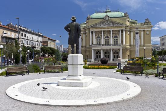 Rijeka Central Market: Rijeka, il Teatro vicino al Mercato Centrale