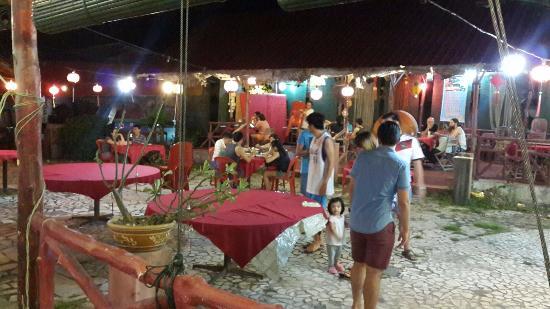 Deng Long Seafood Restaurant & Bar: Spacious place