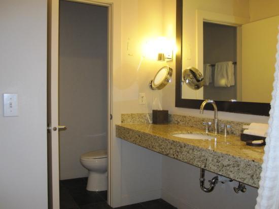 Red Mountain Resort: Bathroom