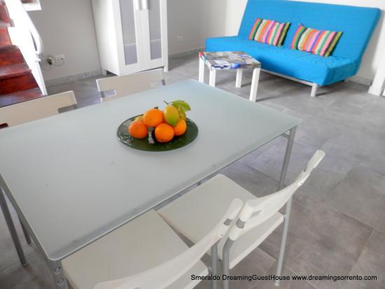 Dreaming  Guest House: SMERALDO LIVING