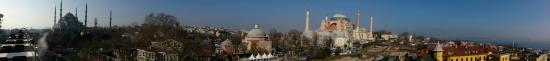 Seven Hills Restaurant : Panorama zwischen den beiden großen Moscheen am Hippodrom