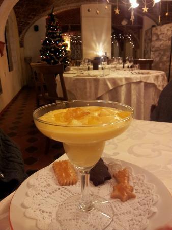 Calliano, Italie : zabaione al moscato