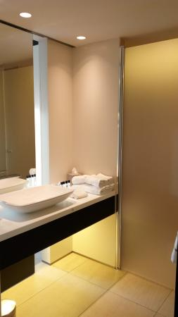 salle de bain - Photo de The Hotel - Brussels, Bruxelles - TripAdvisor