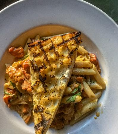 Blackened Chicken Mac and Cheese - Picture of Ralph Brennan\'s Jazz ...